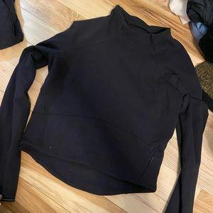 Cropped lululemon shirt
